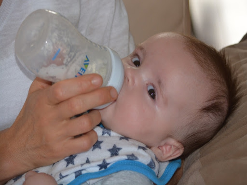 A New Mom's Guide to Using Breast Pumps
