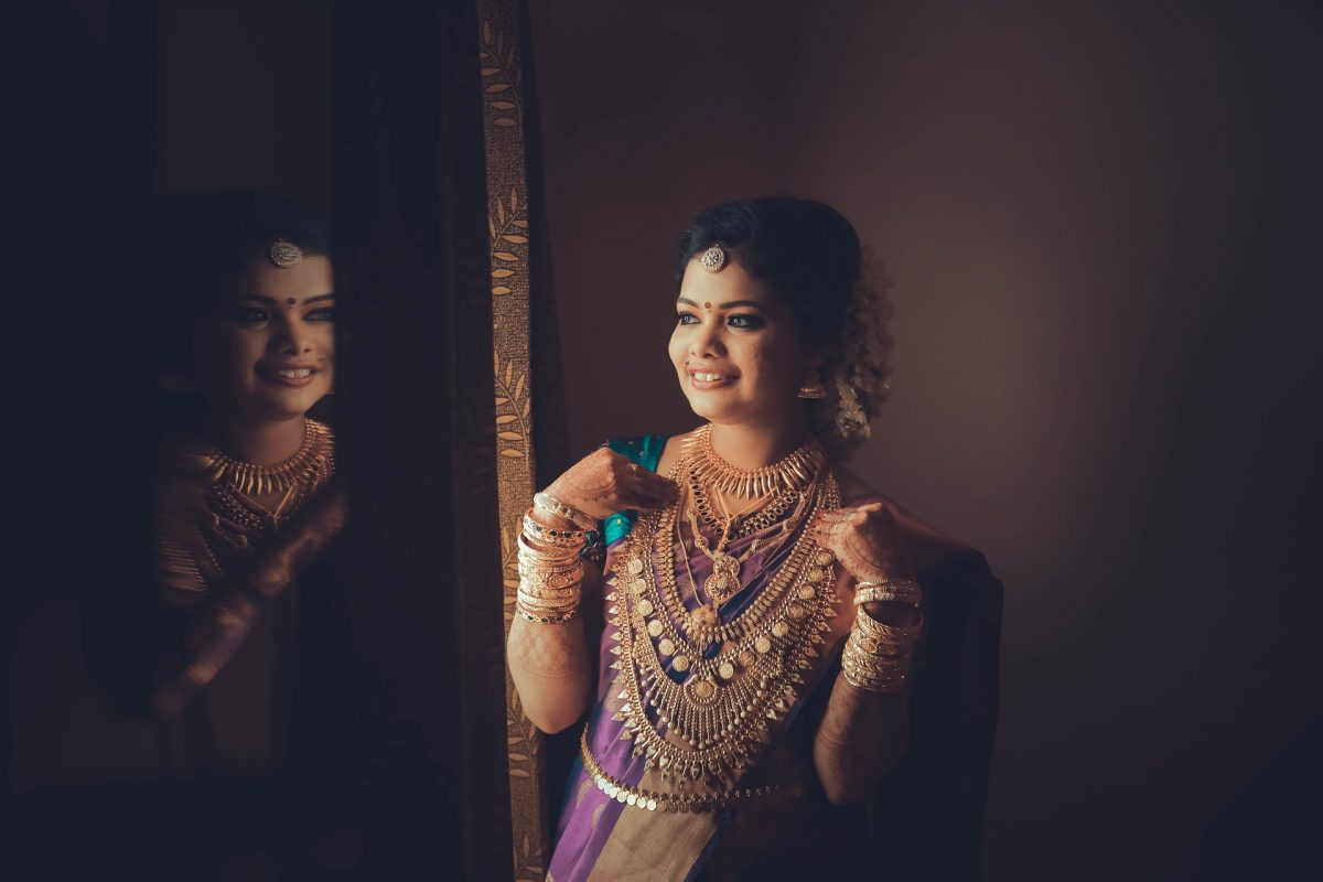 5 Indian Ethnic Outfits for The Modern Bride After Marriage!