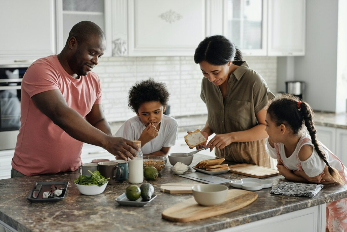 Tips for Teaching Kitchen Basics to Your Kids