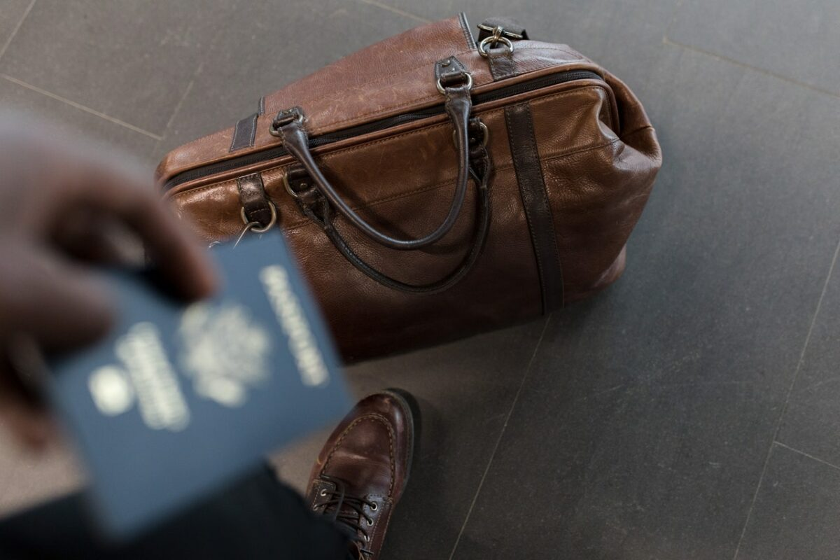 5 Simple Hacks to Make Travel to Another Country Hassle-Free