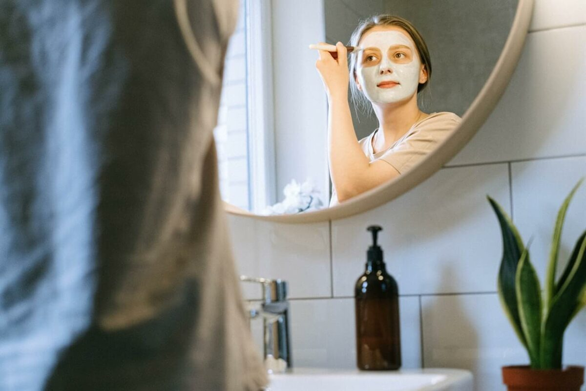 6 Ways To Prevent Breakouts On Your Skin